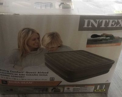 Intex 20 Queen Air Bed Mattress Inflatable built-in Air Pump