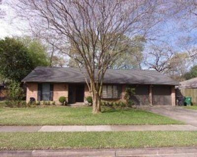 1815 Tattenhall Dr, Houston, TX 77008 3 Bedroom Apartment