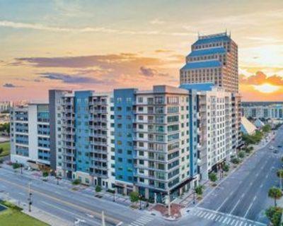 310 N Orange Ave #101, Orlando, FL 32801 2 Bedroom Condo
