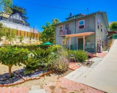 1639 Redcliff St #1-2, Los Angeles, CA 90026 2 Bedroom Apartment