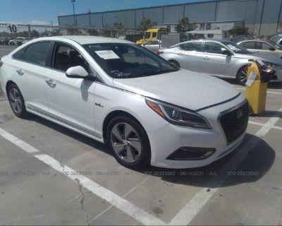 Salvage White 2016 Hyundai Sonata Hybrid