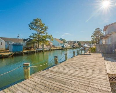 5 BR Dock House w Paddleboat SUP Kayak Bikes Grill - West Ocean City