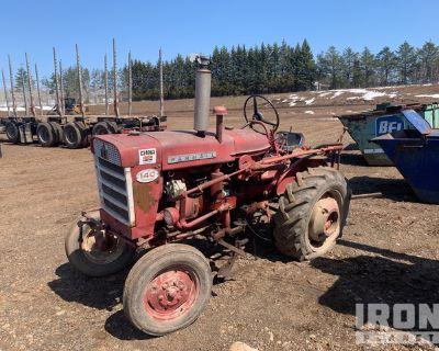 Farmall 140 2WD Tractor