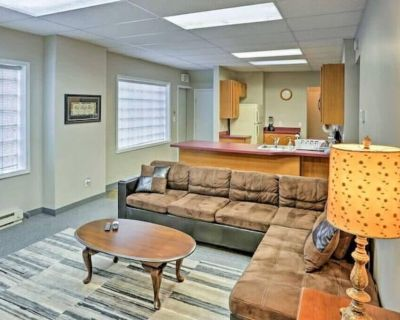Industrial Cleveland - 5 beds/3 bedrooms...2 Living rooms/2 bathrooms - Downtown Cleveland