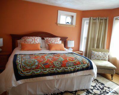 Lg 4 Bedrooms 2 Baths Philadelphia Style Townhouse nr Harvard U Parking - Lower Allston