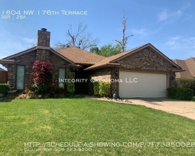 Lovely 3 bed 2 bath home in Copper Creek: 1804 NW 176th Terrace