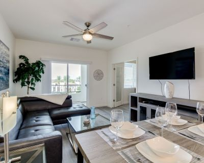 Resort Condo in Desirable Chandler. Tons of Amenities. Walk to Everything! 30 Night Min! - Ocotillo