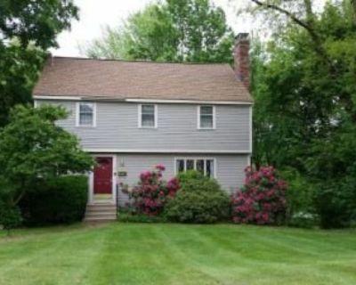 Seeking roommate for 5bed/2bath Hudson home