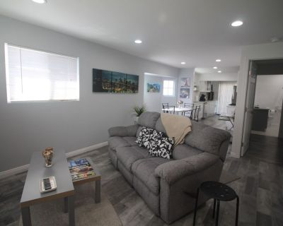 Modern Silver Lake 2BR Home (included 1 parking) - East Hollywood