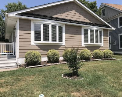 LINENS INCLUDED!!!***. REHOBOTH BEACH SOUTH Country Club Estates. Enjoy your vacation in this sunny and bright 3 BR 2 BA beach cottage. PET FRIENDLY - Country Club Estates