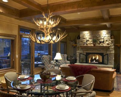 Luxury 2 Bedroom Penthouse Steps from Vail Mountain - Vail