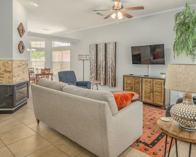 Beautifully decorated, minutes from everything! You will love this house! - Ladera West