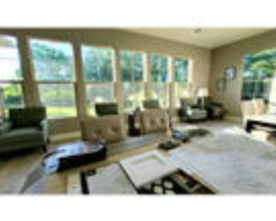 Beautiful 2 bedroom floorplans by Waterchase golf course!!!