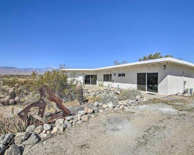Delightful Desert Home: 5mi to Natural Hot Springs - Desert Hot Springs