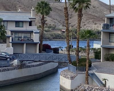 Comfortable 2 Bed/2 Bath Condo on the River with Private Marina! - Bullhead City