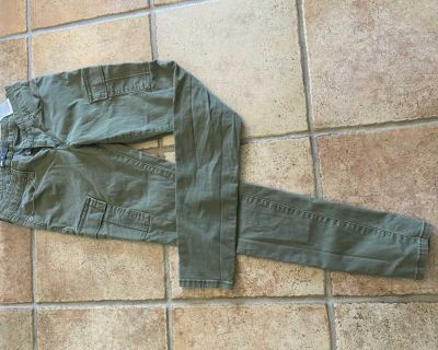 Slim fit green cargo jeans by Levi, size 26