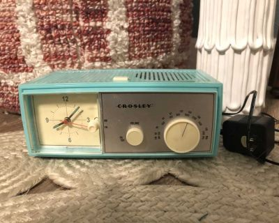 EUC Crosley Alarm Clock Radio