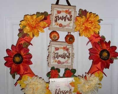Thanksgiving wreath grateful,thankful, blessed. flowers bows. Pumpkins.