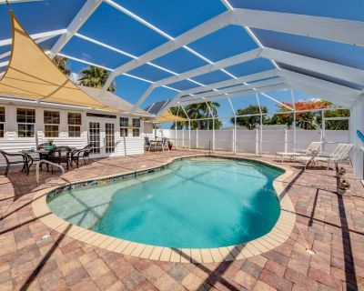 Seaclusion - Spectacular heated pool, Game room, Foosball Table - Cape Coral
