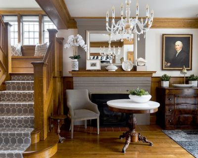 LUXURY HISTORIC CENTURY HOME | CENTRAL TORONTO | WEDDING GROUPS | 6 BEDROOMS - Regal Heights