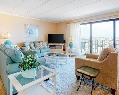 Fifth-floor Condo in Beachfront Condo W/shared Pool, Wifi, AC, W/d, Water Views - North Ocean City