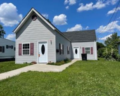 1226 Naghel St #1, New Albany, IN 47150 3 Bedroom Apartment
