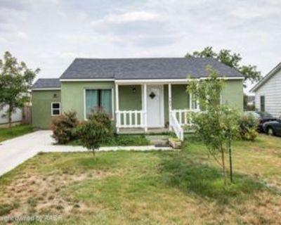 703 S Bivins St, Amarillo, TX 79104 4 Bedroom Apartment