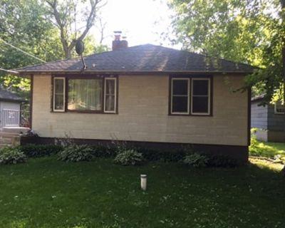 Cedar Lake Home. 1 Bedroom. Lake rights Shares Amenities - Cedar Lake