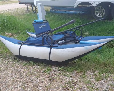 Classic inflatable pontoon boat