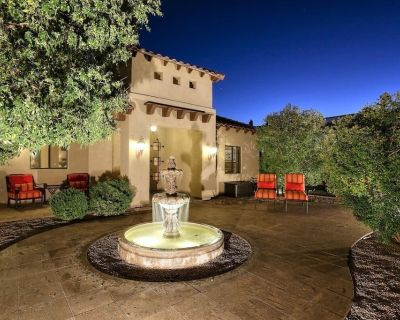 Golf & Baseball Batting Cage/ Hot Tub/ Luxurious Living/ Private, Gated, Quiet - Central Scottsdale