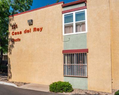 Casa Del Rey Oeste Apartments
