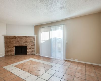 Irving Townhome FOR RENT!