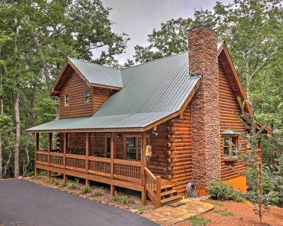 Log Cabin w/ Deck in Chattahoochee Nat'l Forest! - Dahlonega