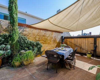 Downtown Charming Craftsman with Courtyard - San Luis Obispo