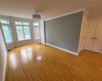 266 Cedarholme Avenue, Georgina, ON L4P 2W4 3 Bedroom Apartment