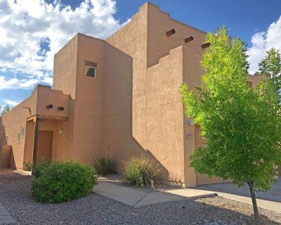 New Hot Tub Home near Kirtland base - Albuquerque