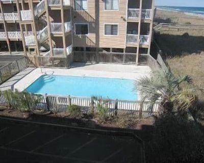 Oceanfront Condo - Close to Boardwalk Tikki Bar, 2 Oceanfront Pools - Wilmington Beach
