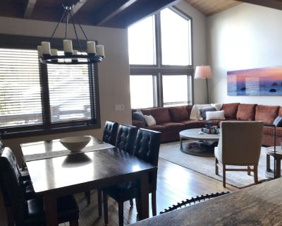 Modern 4 Bdrm + Den Townhouse In Boulder Creek, Deer Valley W/ Private Hot Tub - Park City