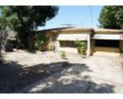 607 W Tichenor Street, Compton, CA,90220