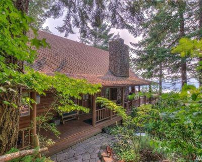 Timber Lodge Log Home - Marine Views-Home Theater - Rosario