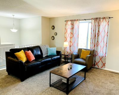 2 Bedrooms with King Beds in Aurora - Aurora