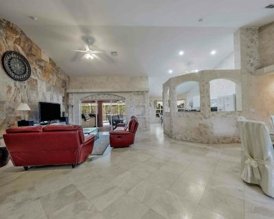 Palm Breeze 1035 NW Cape Coral 3b 2ba heated pool gulf access canal oversized Boat Deck and 2 Lifts - Burnt Store