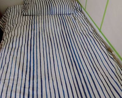 Twin duvet cover and pillow case. 2 sets of sheets, bed skirt