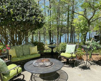 Lake terrace apartment with heated swimming pool/heated tub - Dawsonville