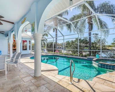Sunset Dream - perfect location, heatable pool and spa, waterfront, west - Pelican