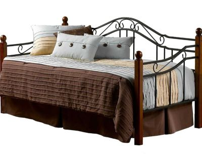 Daybed with trundle and 2 twin mattress.