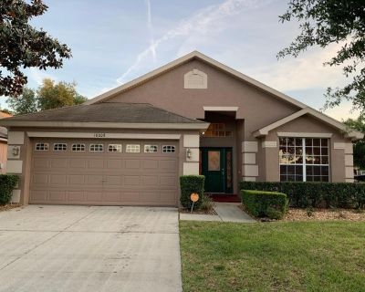 3/2 Corner Lot House with Fence