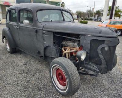 1939 Hudson 4-Dr Sedan