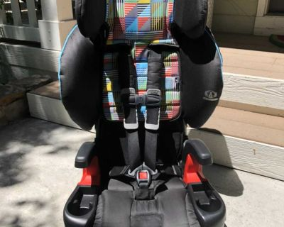 Britax Frontier 2-Point Harness Clicktight Car Seat? Nearly New/ Excellent Condition!