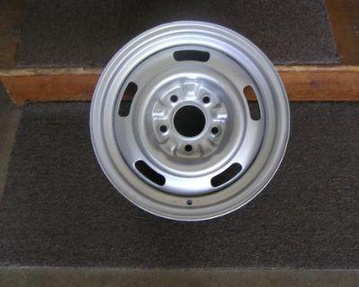1967 1968 Camaro Z28 15x6 Df Rally Wheel